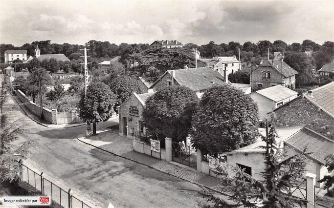 En 1960, le quartier Le Village de Vélizy avec son bureau de Poste.