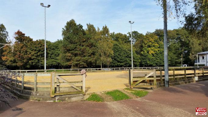 Manège du poney-club de Vélizy-Villacoublay. © Vélizy Info