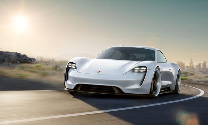 Concept car PORSCHE Mission E.