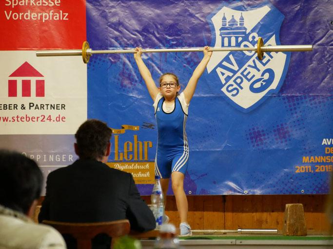 Lea Blakaj gewann auf Anhieb ihren ersten Wettkampf
