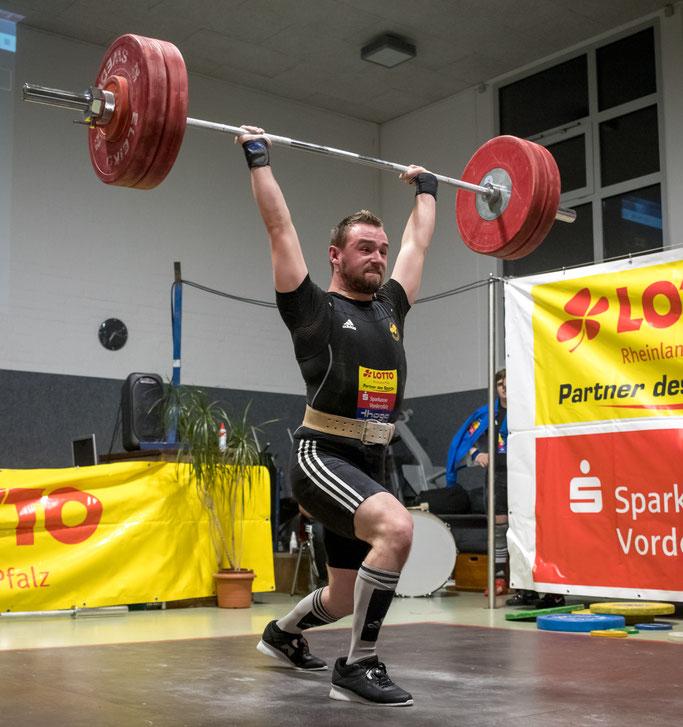 Fabian Mikosch zeigte u. a. mit 130 Kilo im Stoßen ein super Comeback
