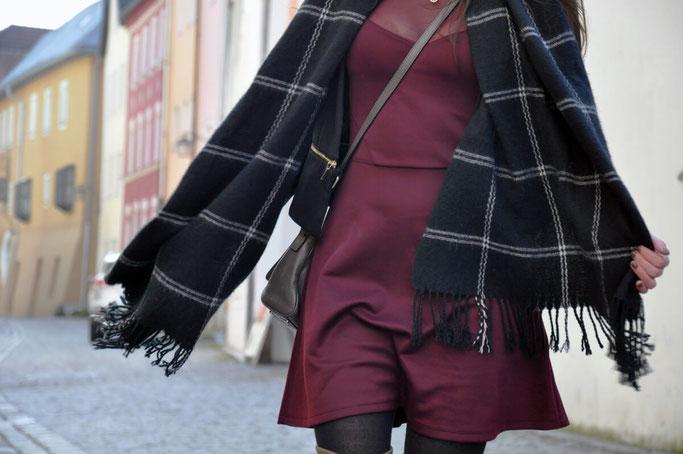 1 Outfit - 2 Schuhtrends - 24 Stunden Pumps Animalprint Overknees  Modeblog Fairy Tale Gone Realistic Fashionblog Passau München Schuhtempel24
