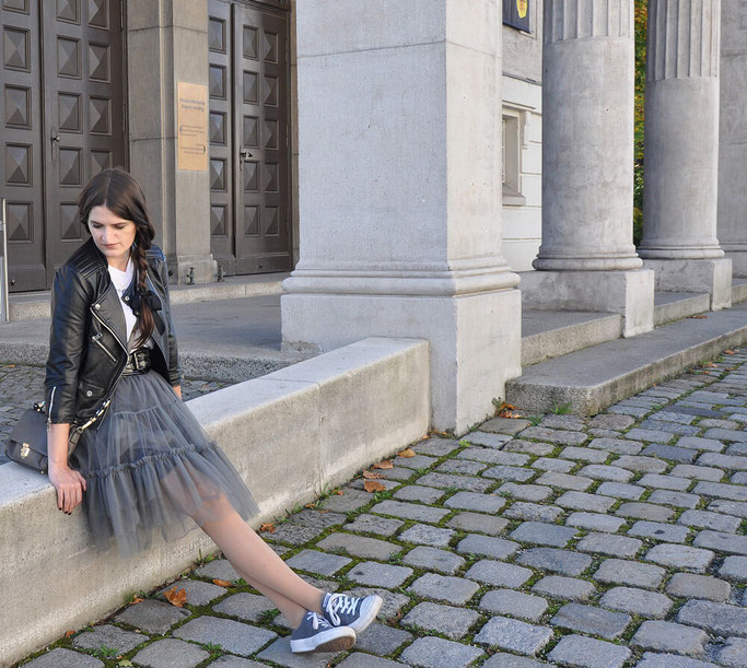 Tüllrock Lederjacke Taillengürtel Burberry Converse Cucks Modeblog Deutschland Fairy Tale Gone Realistic