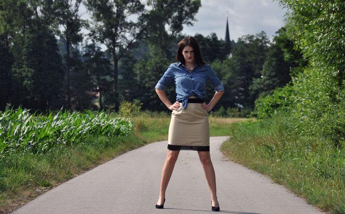 Ladylike Business selbstgenähter Bleistiftrock Jeansbluse Bürooutfit Modeblog Nähblog Fairy Tale Gone Realistic