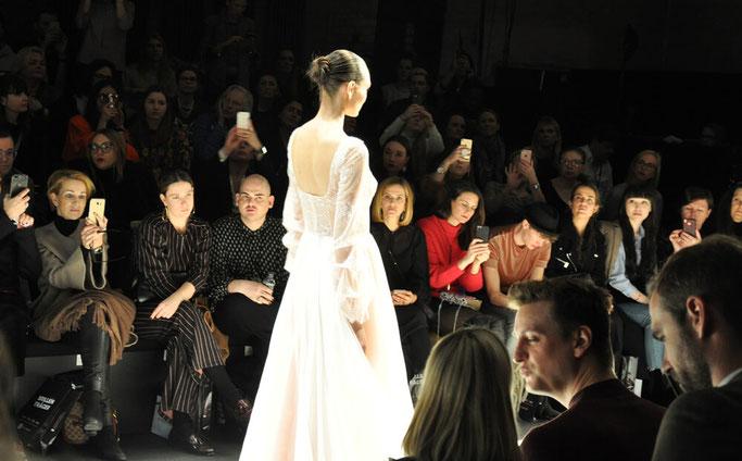 Berlin Fashion Week Januar 2018 Ewa Herzog Modeblog Nähblog Lifestyle Blog Fairy Tale Gone Realistic Modebloggerin