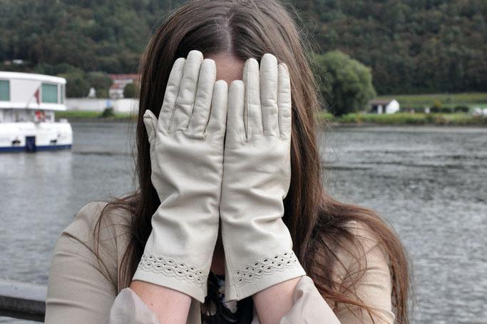 Blogparade Key Pieces im Herbst Handschuhe Modeblog Fairy Tale Gone Realistic Fashionblog Germany Bayern