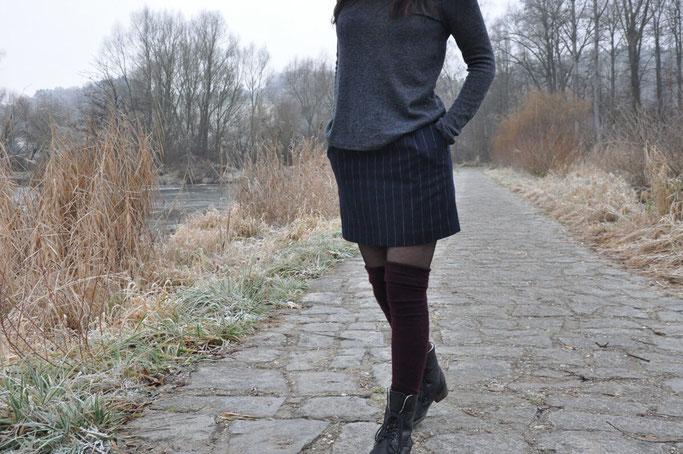 Uni-Outfit Rock mit Overknees +Make-Up Review Rückenausschnitt Rucksack Fairy Tale Gone Realistic Modeblog Bayern Fashionblog