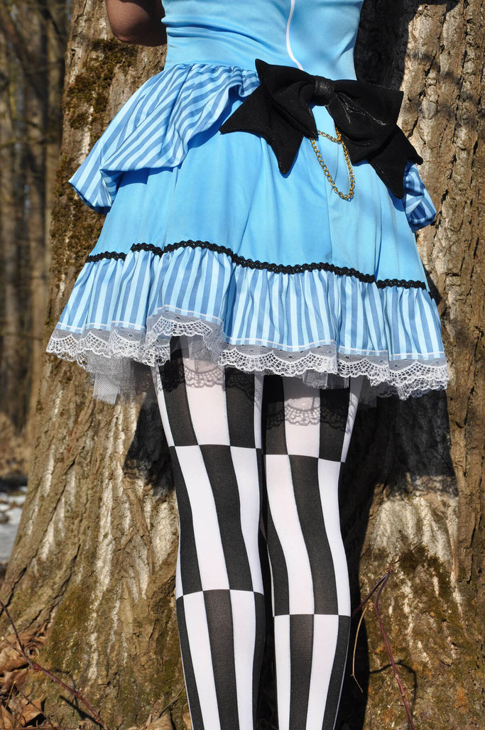 Faschingsoutfit Alice im Wunderland Steampunk Fastnacht Kanreval Modeblog Fairy Tale Gone Realistic Blog Germany