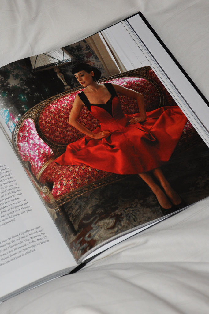 Beauty und Glamour Dita von Teese Buchrezension Modeblog Fairy Tale Gone Realistic Passau Fashionblog