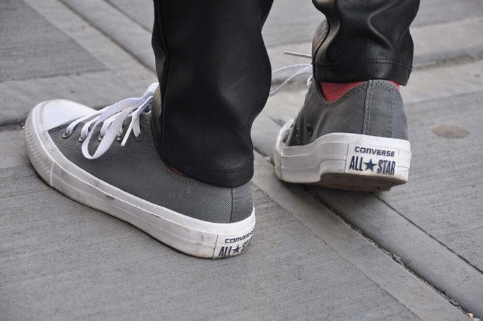 NYC Streetstyle Outfit Korsage Lederhose Converse Chucks Blog Deutschland Modeblog Fairy Tale Gone Realistic