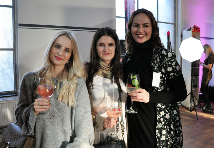 Berlin Fashion Week Outfit Fashion Blogger Cafe Fannael KimEngel Modeblog Fairy Tale Gone Realistic Lifestyleblog Passau
