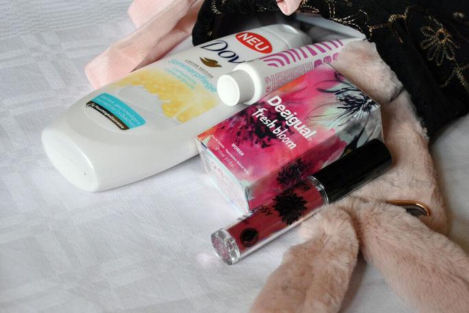 Gewinnspiel selbstgenähter Kosmetikbeutel mit Inhalt Nähblog Deutschland Fairy Tale Gone Realistic