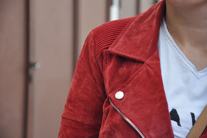 Bloggeroutfit Glencheck-Hose selbstgenäht Culotte rote Lederjacke Nähen DIY Fashion Nähblog Deutschland Fairy Tale Gone Realistic Modeblog