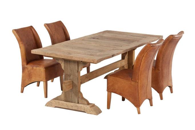 Ein echter Klostertisch aus massiver Eiche Altholz in traditioneller Form