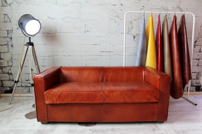 Clubsofa Cornell Echtleder 2 Sitzer im Vintage Design Cognac für Wohnzimmer, Hotel, Lounge und Bar