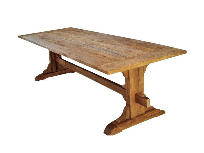 Klassischer Klostertisch aus alter Eiche mit breiten Stammbohlen