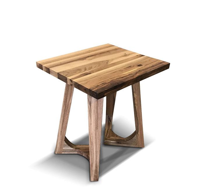 Restaurant Tisch aus recyceltem Eichenholz nach Maß