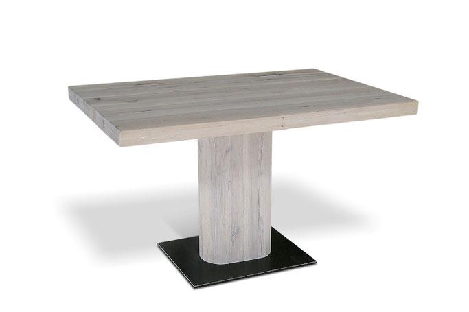 Rechteckiger Gastronomie Tisch aus massiver Eiche mit Mittelfuß
