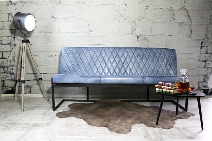 Echtleder Sitzbank Lea für Esszimmer, Lounge und Bar mit glatter Steppung und Stahlkufen