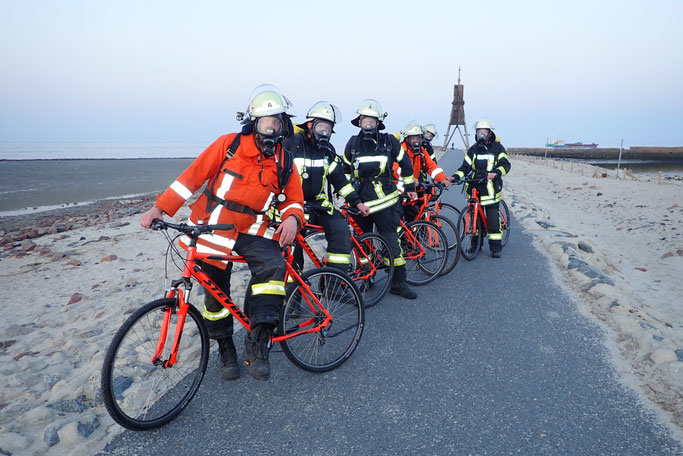 Training der Atemschutzgeräteträger auf Mountainbikes