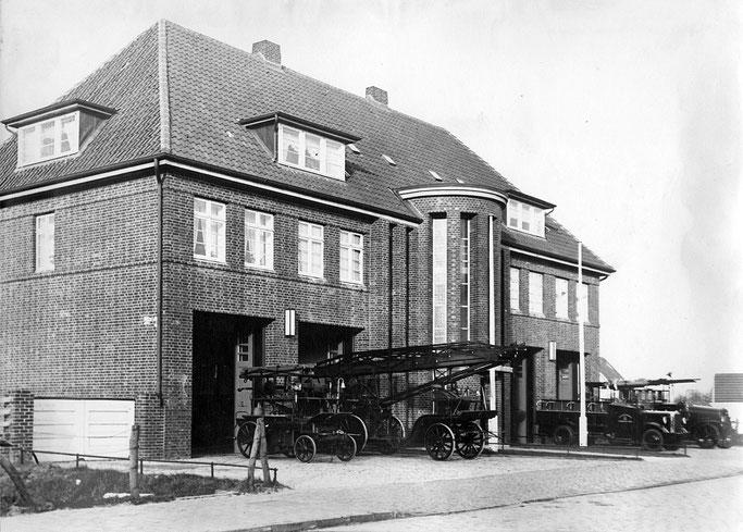 1933: Die Feuerwache Döse in der Steinmarner Straße 21