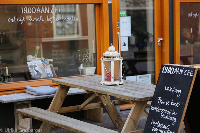 Café in der Keizerstraat, Scheveningen