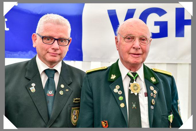 Rechts der Jubilar Karl-Werner Grieß mit dem Vizepräsidenten des BOS Klaus-Dieter Hüsemann.
