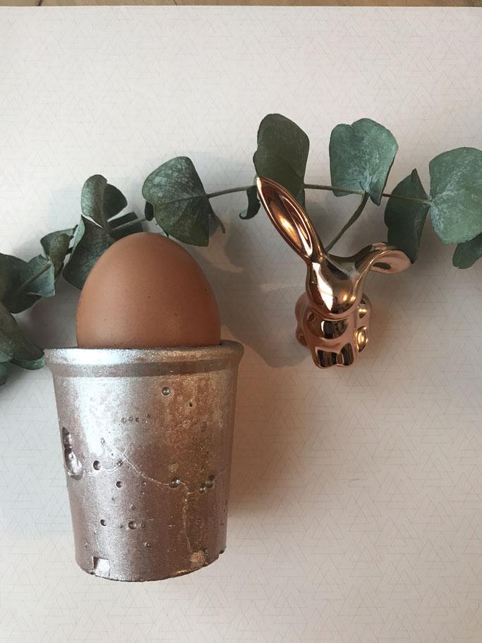 Coquetier bombé en cuivre