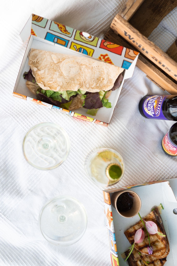 Piadina, Grilled Cheese Sandwich mit Chutney, Berliner Berg Brauerei, Brauerei Neulich, Sekt Vin Aqua Vin