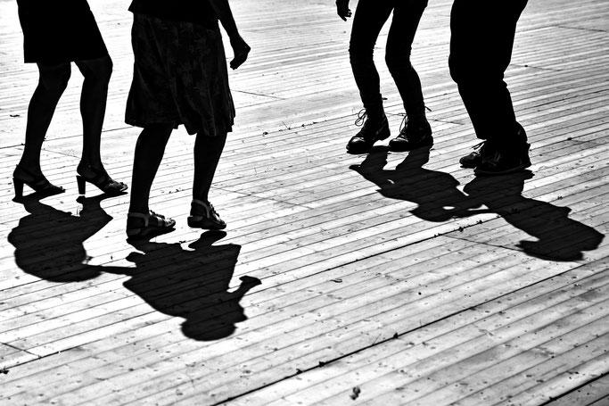 Gourin photo n&b Bretagne musique danse traditionnelle bretonne gavotte aven quadrille pas plancher