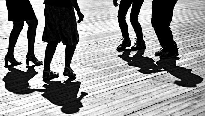 Danse bretonne fest deiz plancher ompbre pieds Gourin quadrille bal aven bigouden gavotte