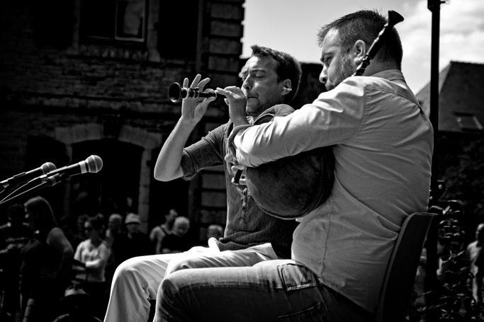 sonneurs biniou bombarde Gourin photo n&b Bretagne musique traditionnelle bretonne fest deiz Duo Galéron / Le Gall