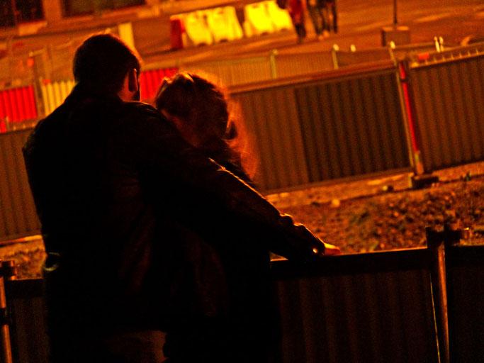 photographe brest artiste brestois street photo cliché photo volée amoureux nuit brestoise soirée étudiantes ambiance