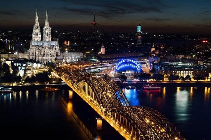 Städtereise Köln Dom Deutzer Brücke Triangle