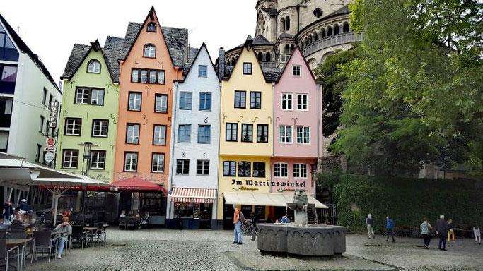 Köln Altstadt bunte Häuser
