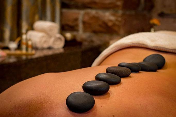 Wellness Wochenende NRW Hot Stone Massage
