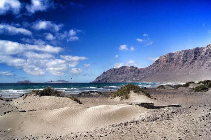 Kanaren Lanzarote Famara Strand