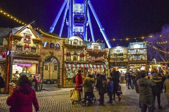 Christmas market Düsseldorf observation wheel