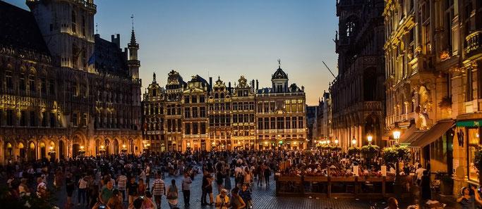 Städtereise Brüssel Grand Place bei Nacht