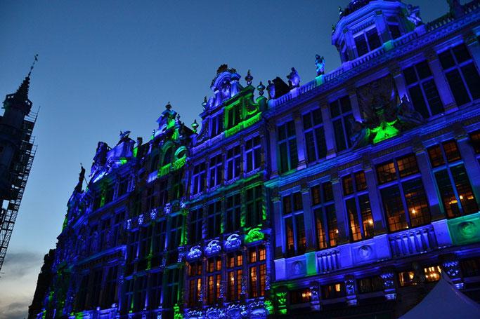 Brüssel Weihnachtsmarkt Lichtershow Grand Place