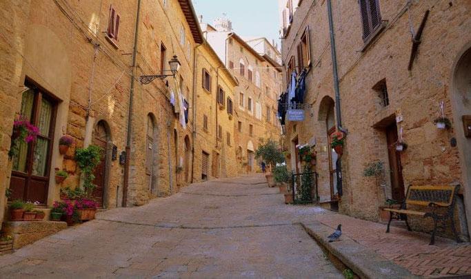 Urlaub mit dem Auto Toskana Volterra