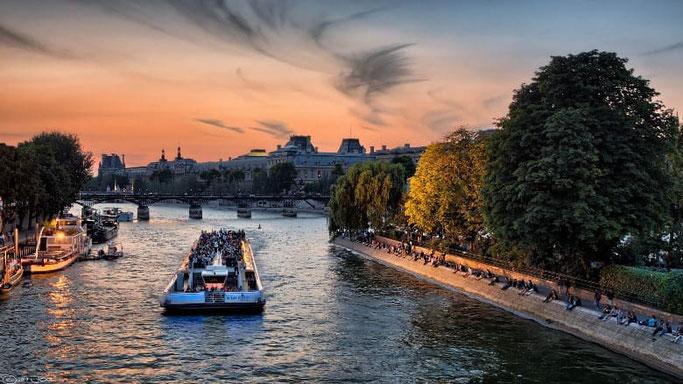 Bootsfahrt Seine Paris Sonnenuntergang