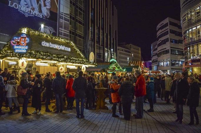 Christmas Market Düsseldorf Kö-Bogen