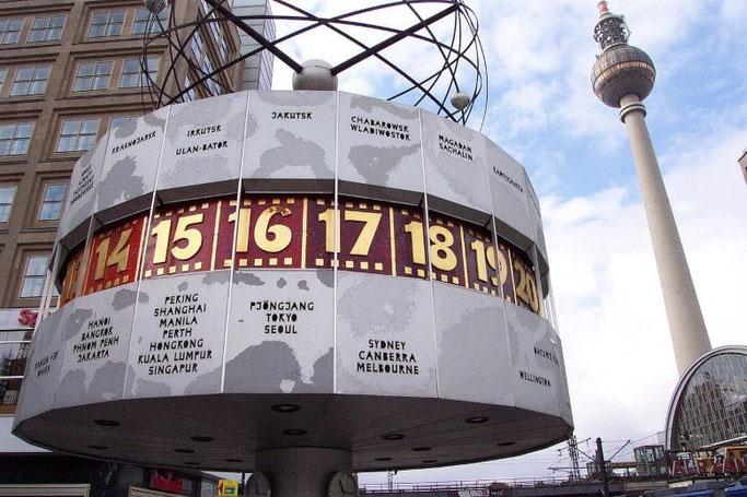 Städtereise Berlin Alexanderplatz Weltzeituhr Fernsehturm