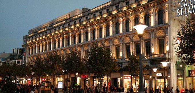 Place Saint-Lambert - Die Galerie Saint-Lambert am Abend