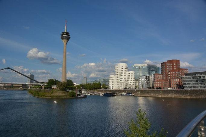 Rheinturm Düsseldorf besuchen