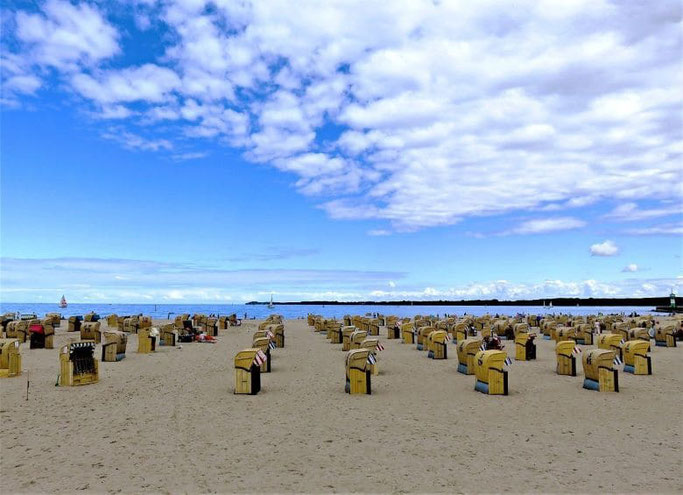 Lübeck Travemünde Strand Strandkörbe