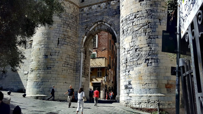 Genua Sehenswürdigkeiten Porta Soprana