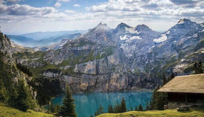 Schweiz Urlaub See Oeschinensee
