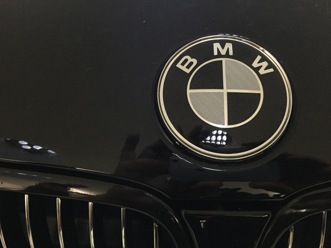 BMW CARBON EMBLEM